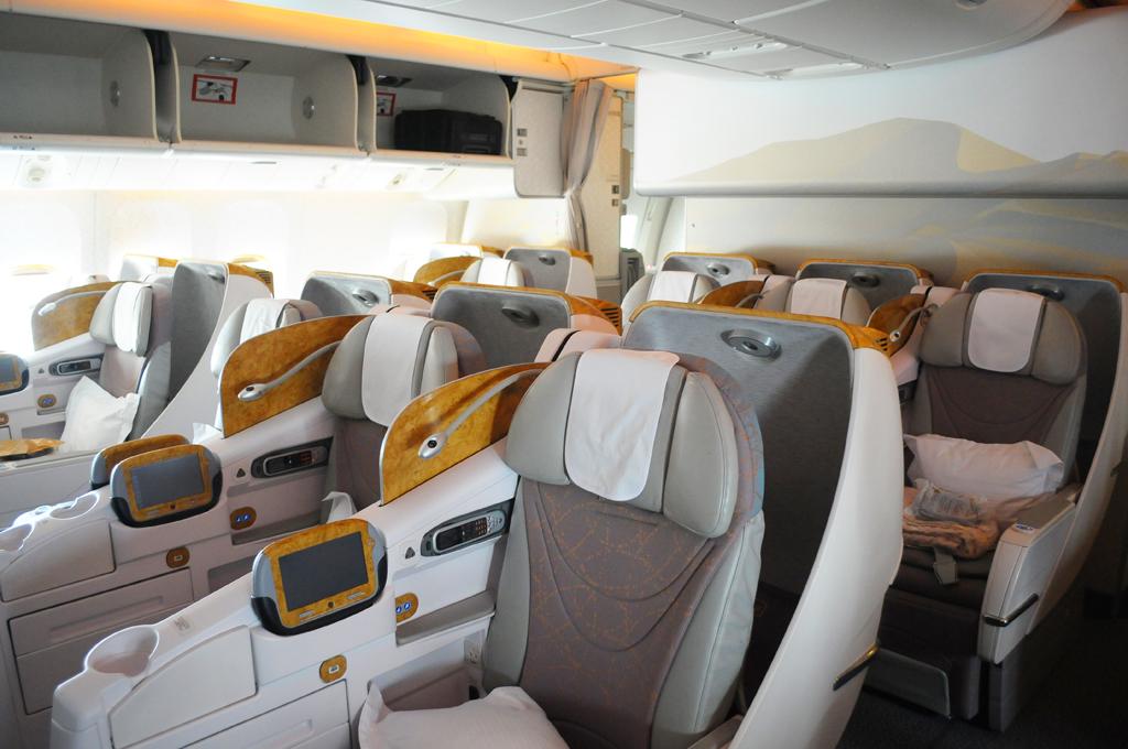 In business con emirates flybolognairport for Piani di cabina di log gratuiti