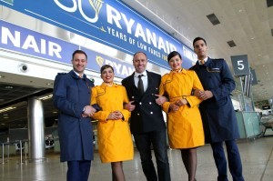 Ryanair cambia le sue divise a bordo